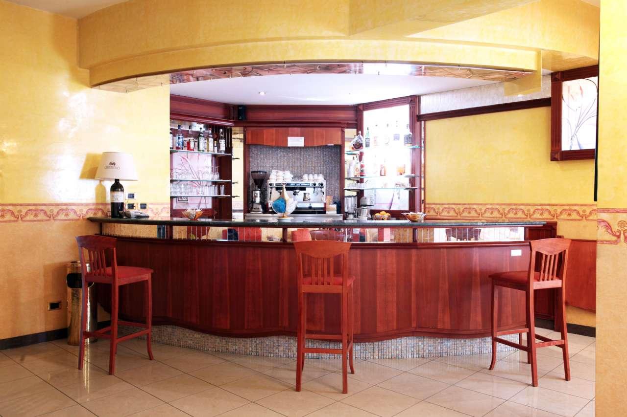 Falegnameria reggio calabria ranieri home page for Ristrutturare bancone bar